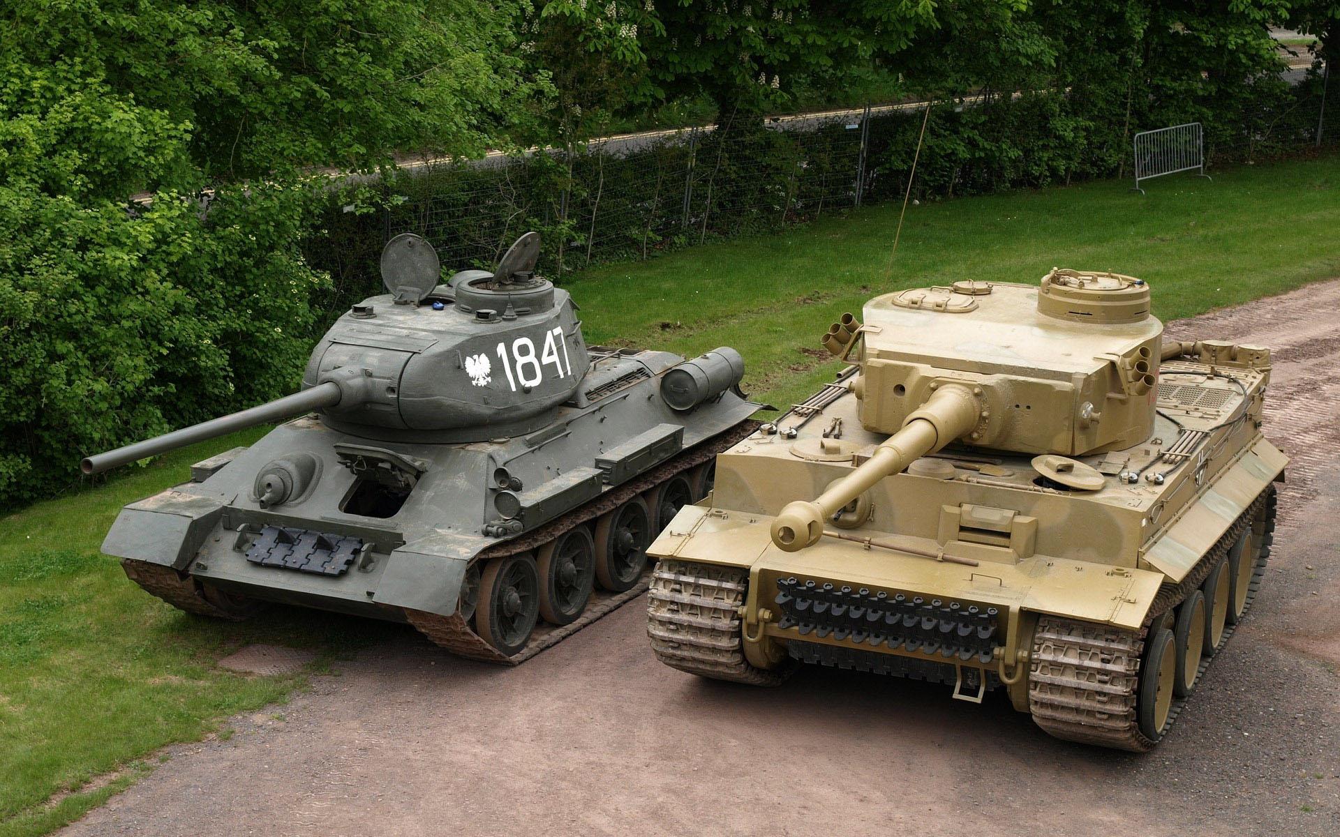 http://www.dfo-p.ru/uploadfiles/9.09.2012-tanki-T-34-85-i-Tigr-(PzKpfw-VI-Tiger).jpg